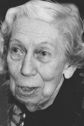 the early literary works of eudora welty Eudora welty had good ears, the kind that can pick up and process the subtleties of a dialogue or an accent—the kind of ears that can make for great writing and a great writer she undoubtedly was her most celebrated medium was the short story, and her main subject was the family, though she personally never married.